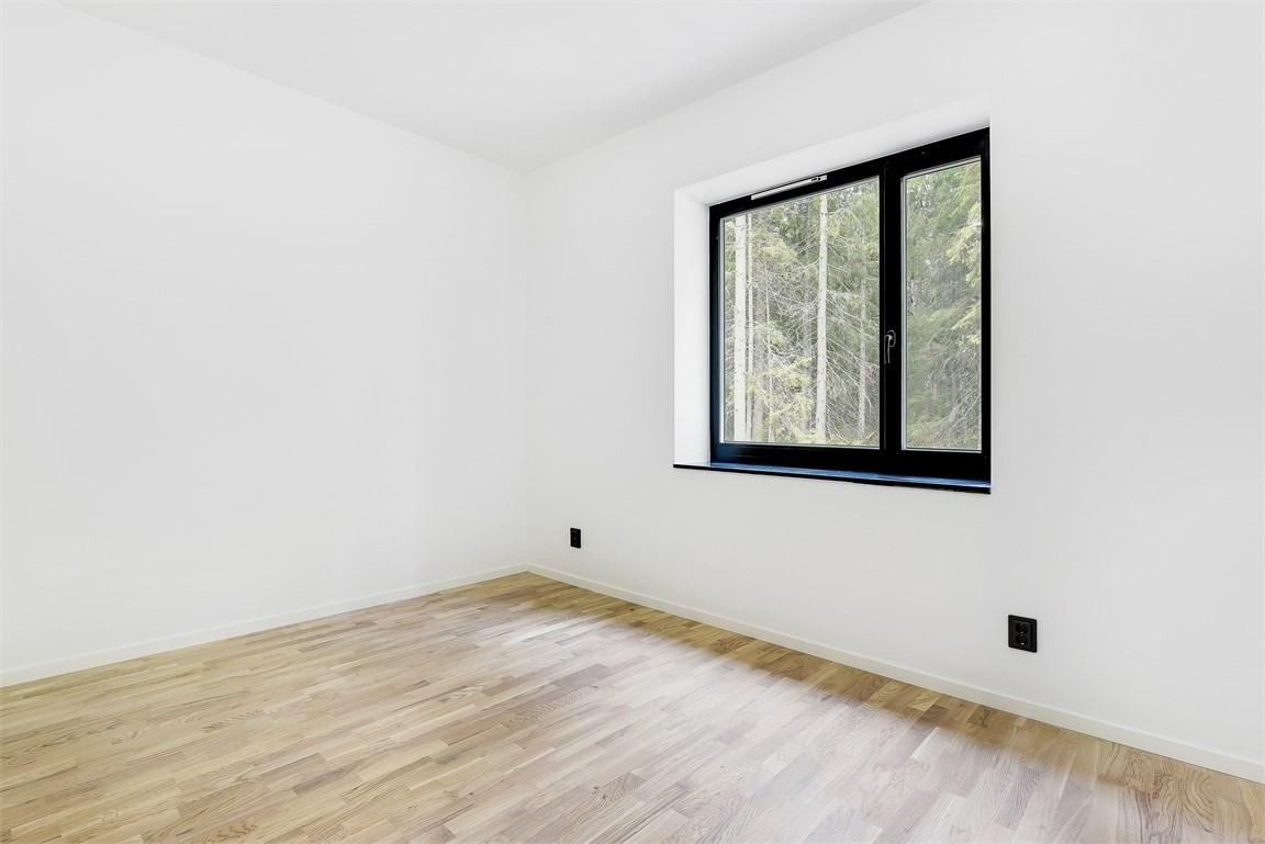 Ett av sovrummen på entréplan