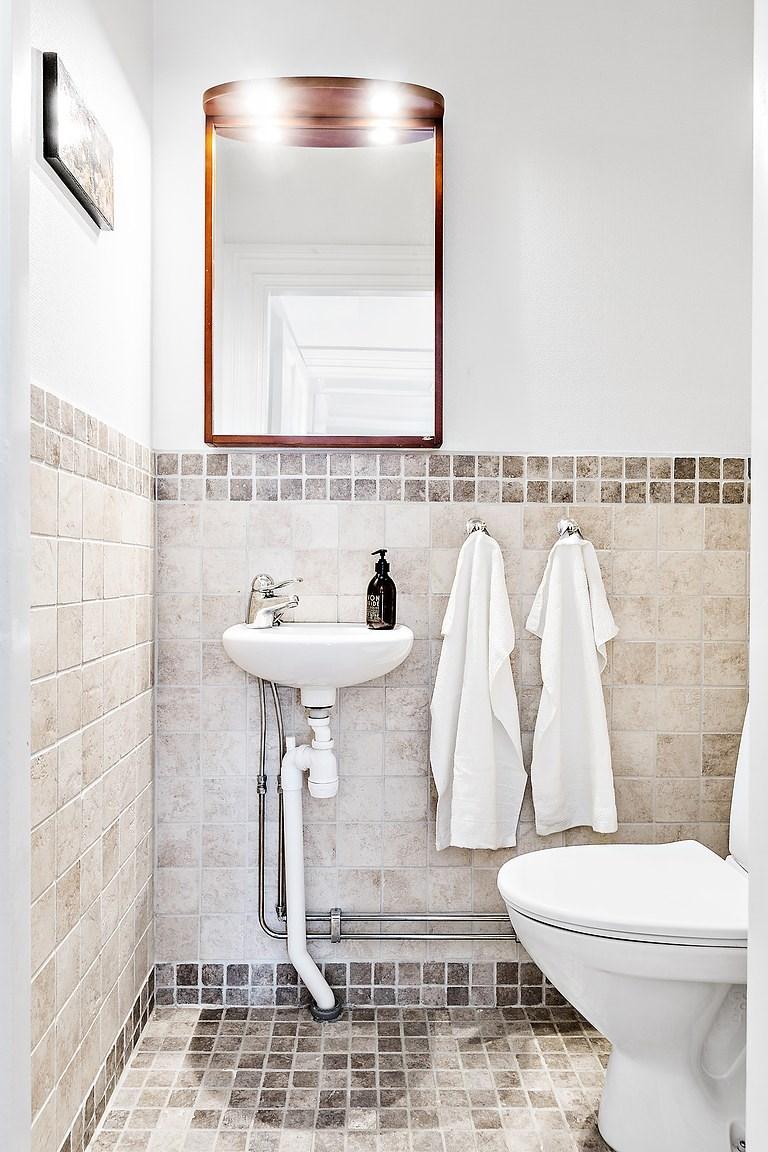 Toalett/Gäst WC