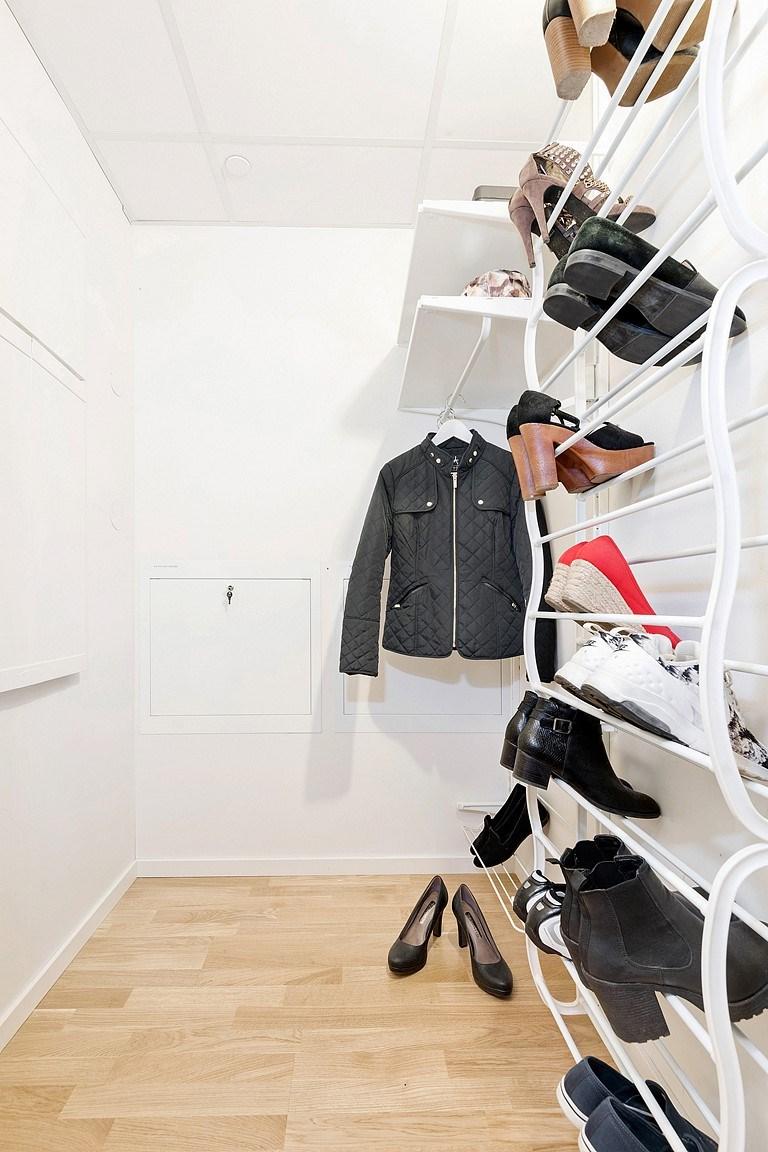 Rymlig klädkammare i hall