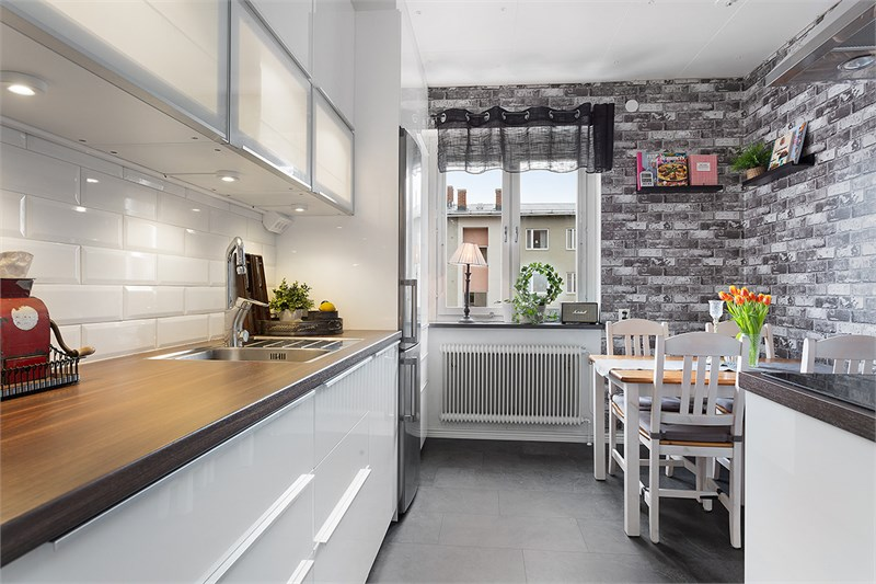 Renoverat kök med matplats