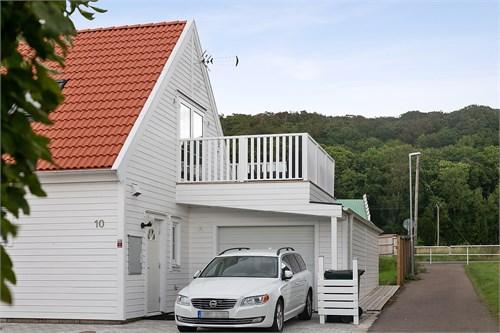 Uppfart med tillhörande garage