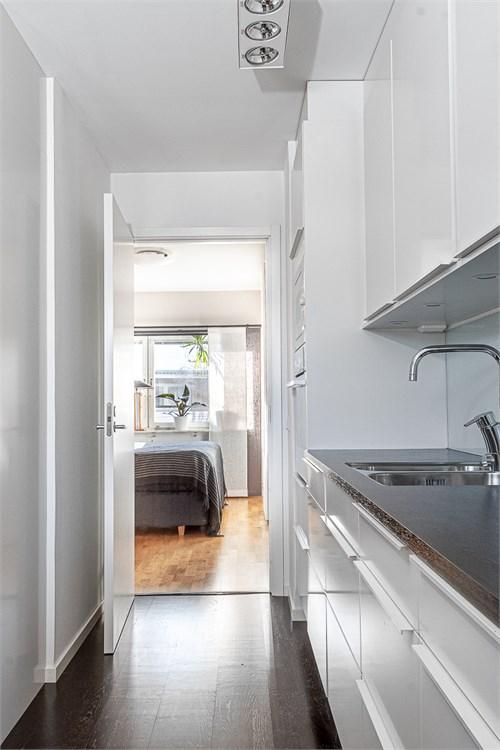 Passage mellan kök och sovrum